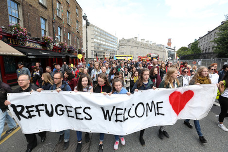 12/09/2015. Refugees Welcome.Pictured hundreds of