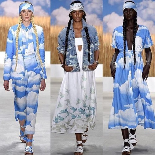 ☁️Your perfect Sunday as told by @marahoffman ☁️ #nyfw