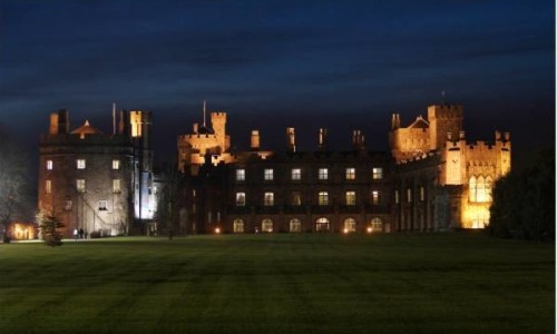 kilkenny_castle_at_night-500x300