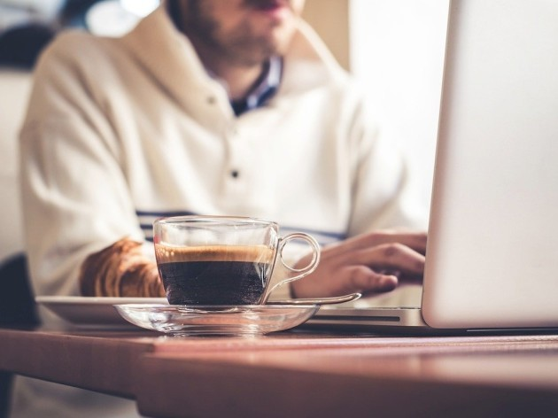 man-laptop-coffee