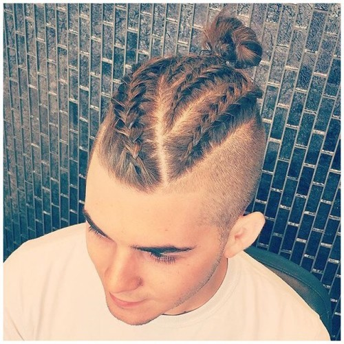 We love a good #manbun, how do you feel about the #manbraid trend coming up? #regram @michael_yonce Braids for days✌