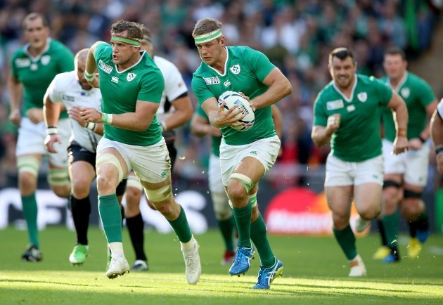 Chris Henry supported by Jamie Heaslip