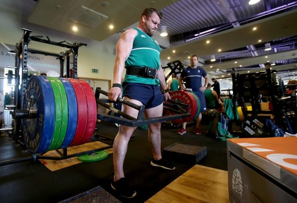 That's just showing off! Cian Healy deadlifted 220kg+ for the