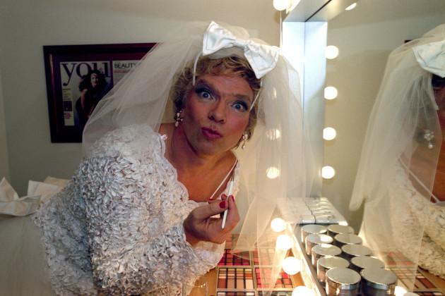 RICHARD BRANSON : WEDDING DRESS