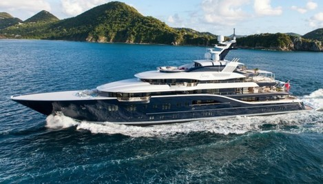 the-solandge-was-designed-by-espen-eino-which-was-has-crafted-some-of-the-biggest-and-boldest-super-yachts-of-the-past-decade-this-one-is-no-different-featuring-swooping-curves-and-multiple-levels-that-give-i