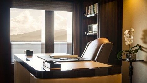 the-yacht-includes-an-office-which-has-a-distinctly-white-house-vibe-that-is-in-keeping-with-the-rest-of-the-rooms-the-view-is-also-spectacular-from-the-gigantic-windows-which-look-out-from-the-offices-upper-