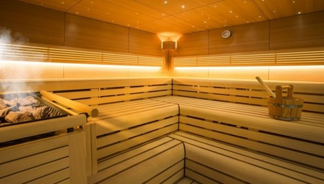 the-solandge-has-its-own-steam-room-and-sauna-completing-the-on-board-gym-beyond-these-there-are-two-jacuzzis-and-a-swimming-pool