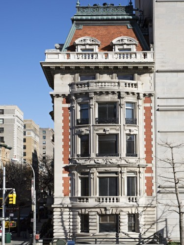 the-corner-location-ensures-that-plenty-of-sun-hits-its-historic-limestone-and-brick-facade