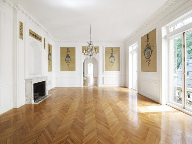 the-newly-posted-photos-reveal-a-predictably-spacious-french-renaissance-style-pad