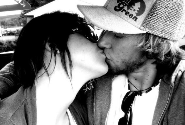 kisses.