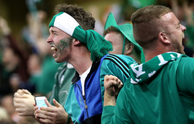 Ireland fans celebrate as IrelandÕs Conor Murray scores his sides second try