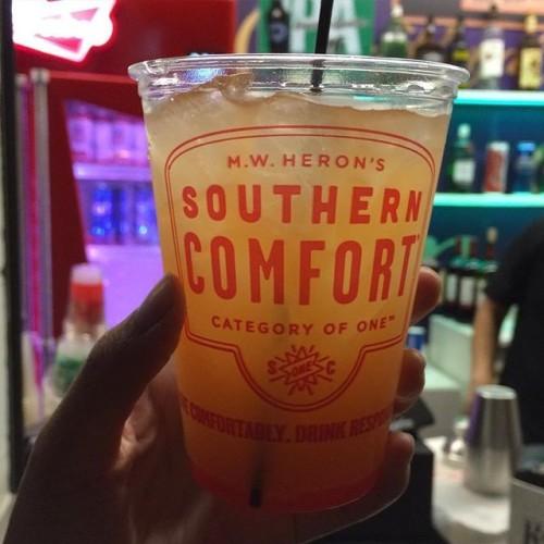 Enjoying Oddball Fest courtesy of Southern Comfort tonight. Tasting SoCo's exclusive cocktail, the SoCo Punchline. @oddballfest @southerncomfort