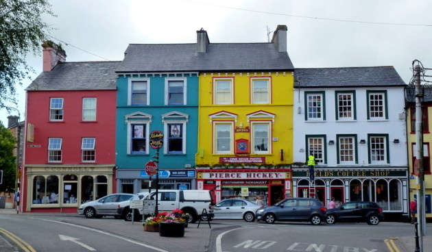 West Cork pub owners pour cold water on early re-opening