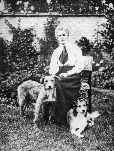 Nurse_Edith_Cavell_1865-1915_Q32930