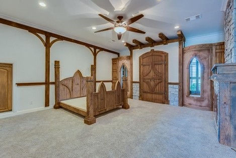 the-fantasy-doesnt-stop-at-star-trek-the-master-bedroom-is-decorated-like-a-medieval-castle