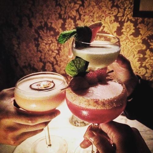 Vintage cocktail club - Dublin. . . . . . . #vcc #dublin #ireland #templebar #friends #travel #trip #cocktails #custommade #night #nightout #followme #follow #instagood #instacool #love #beautiful #iphoneonly #like4like