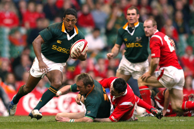 Rugby Union - Lloyds TSB Autumn Series 2004 - Wales v South Africa