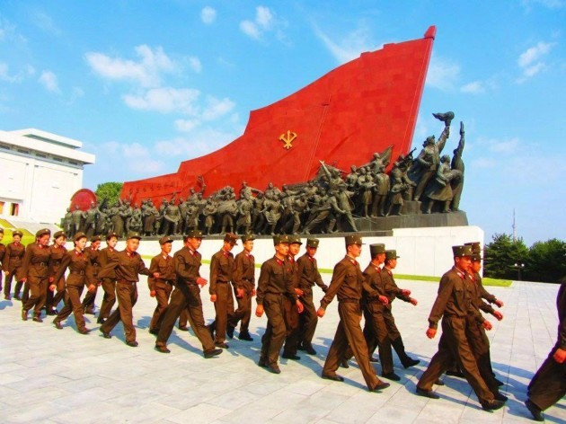 justin-and-anna-said-that-there-are-two-things-you-would-never-miss-in-north-korea-massive-monuments-and-military-personnel