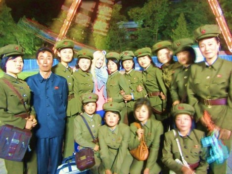 anna-was-able-to-snap-this-picture-with-some-of-the-female-north-korean-military-personnel-before-their-platoon-leader-spotted-them