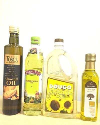 Oil but not Oily.. Good morning mates..!!! #instagood #instadaily #instamakassar #instagram #oil #sunfloweroil #almondoil #oliveoil #grapeseedoil