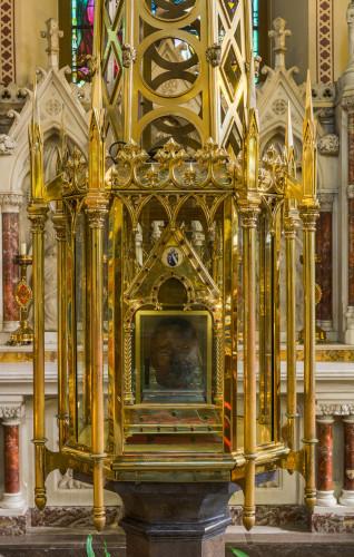 Oliver_Plunkett_Shrine,_St_Peter's_Church,_Drogheda,_Ireland_-_Diliff