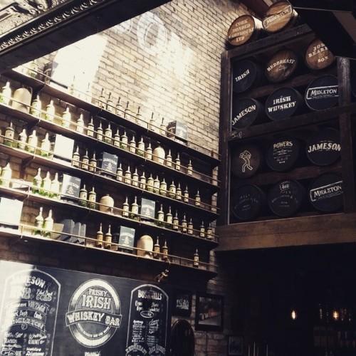 Amazing area inside The Irish Whiskey Bar, The Oliver Plunkett, Cork #theoliverplunkett #cork #corkcity #bar #smokingarea #ireland #irelandinthesunshine #irishwhiskey
