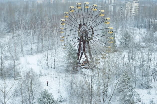 but-on-april-26-1986-an-explosion-inside-the-chernobyl-nuclear-power-plant-caused-flames-and-radioactive-debris-to-soar-through-the-air-right-over-pripyat-the-towns-49000-residents-were-evacuated