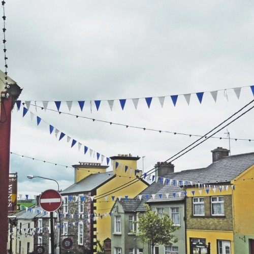 A typical Irish town. The Guinness signs and pub fronts didn't quite make it into this picture but believe me, they weren't far away! That's some of Killorglin in co.kerry #ireland #travel #killorglin #explore #adventure #irishtown #kerry #smalltown #colorful #west #yellow #countykerry #iloveireland #wander