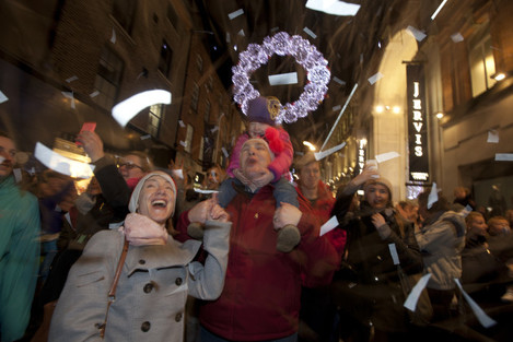 12/11/2015. Xmas Lights Turned On In Henry St. The
