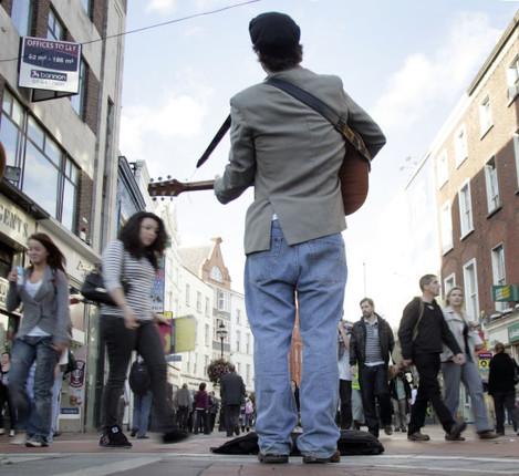 12/10/2009 Buskers on Grafton Street