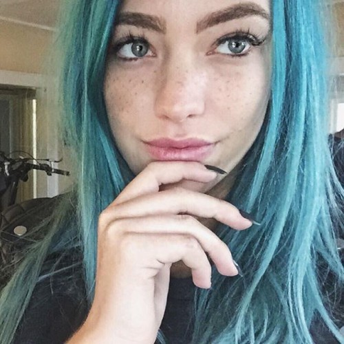 @phiphibb got frecked☄ #freckyourselfie #freckles