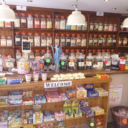 We stopped off at a proper old sweet shop on our drive up to Manchester. So many jars filled with lollies, reminds me of my lolly jar necklaces! #pennysweets #lollyshop #nostagia