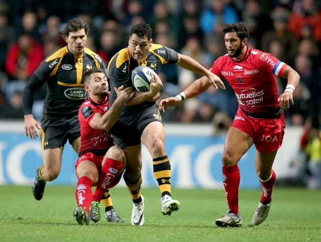 George Smith tackled by Jonathan Pelissie
