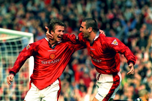 Soccer - Carling Premier League - Manchester United v Liverpool - Old Trafford