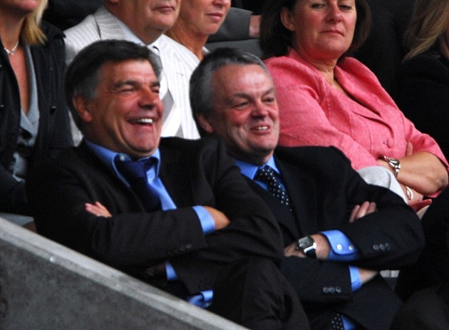 Soccer - FA Barclays Premiership - Bolton Wanderers v Aston Villa - Reebok Stadium