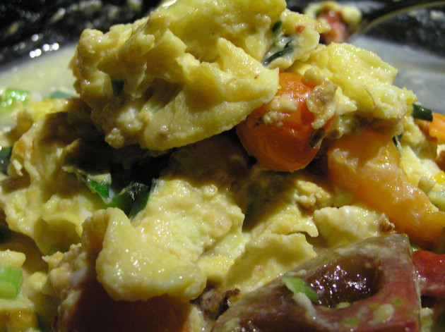 Scrambled Eggs with Tomato and Basil