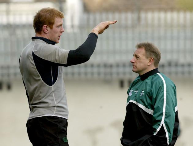 Paul O'Connell talk's to Coach Eddie O'Sullivan