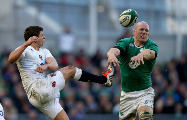 Paul O'Connell blocks down Ben Youngs