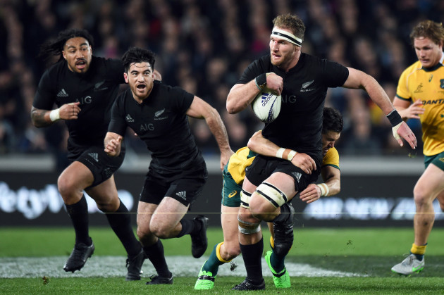 Kieran Read supported by Nehe Milner-Skudder and Ma'a Nonu