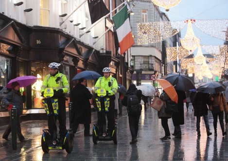 03/12/2015 Dublin Scenes. Pictured are members of