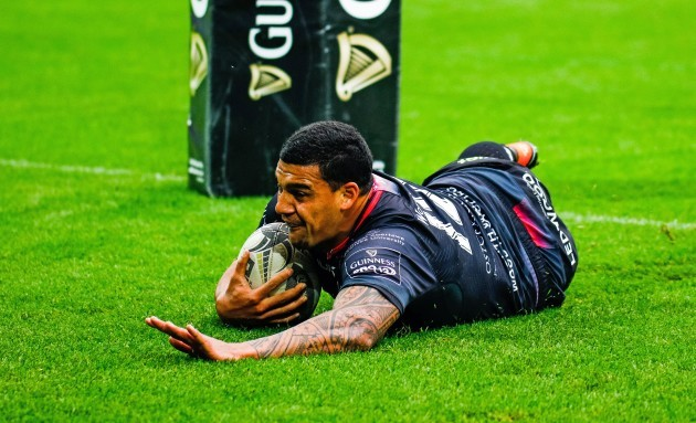 Josh Matavesi scores his sides second try