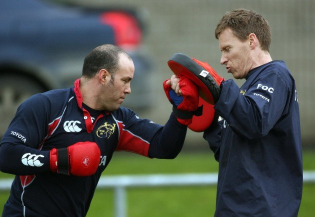 Mike Mullins with physio Fergal O'Callaghan 30/11/2005