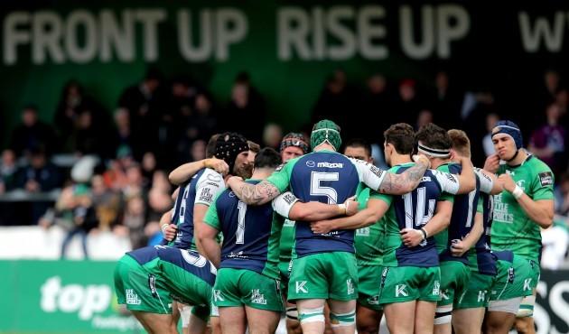 Connacht team huddle