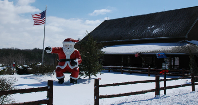 Santas-Lodge-Winter_9