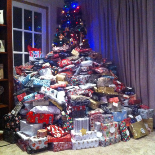 Christmas Presents Under Tree.A Mum Has Fired Back After This Photo Of Her Christmas Tree