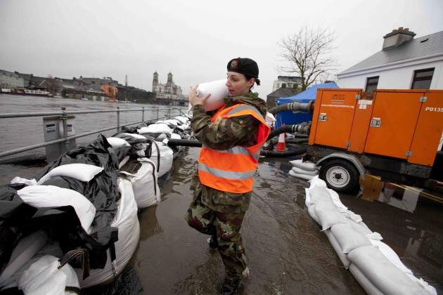 13/12/2015. Floods Athlone. Members of the Defence
