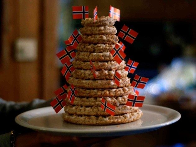 norway-an-almond-ring-cake-called-kransekake-is-popular-for-all-big-occasions-christmas-included-a-traditional-cake-consists-of-18-wreaths-that-are-decorated-with-mini-norwegian-flags-and-decrease-in-size-as-they-go-up