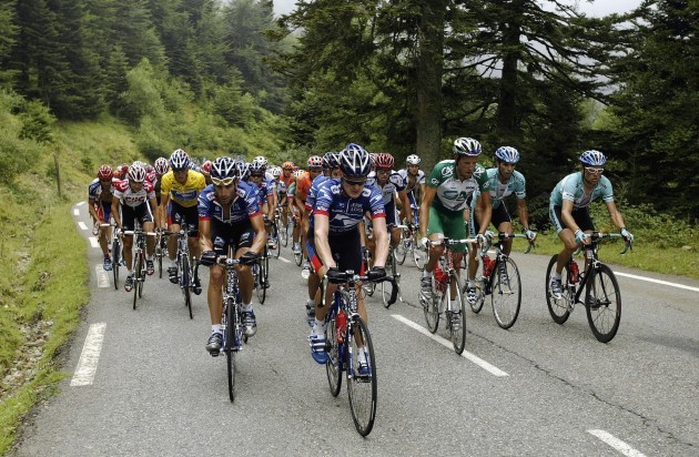 floyd-landis-and-lance-armstrong-at-the-tour-de-france-in-2003