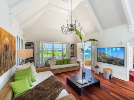 if-you-visit-the-diamond-head-seaside-hideaway-in-the-off-season-though-you-can-stay-for-cheap-this-house-rents-normally-for-about-1700-a-night-almost-half-of-its-new-years-eve-cost