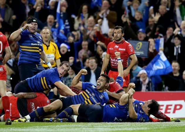 Ben Te'o celebrates as Leinster win a penalty try